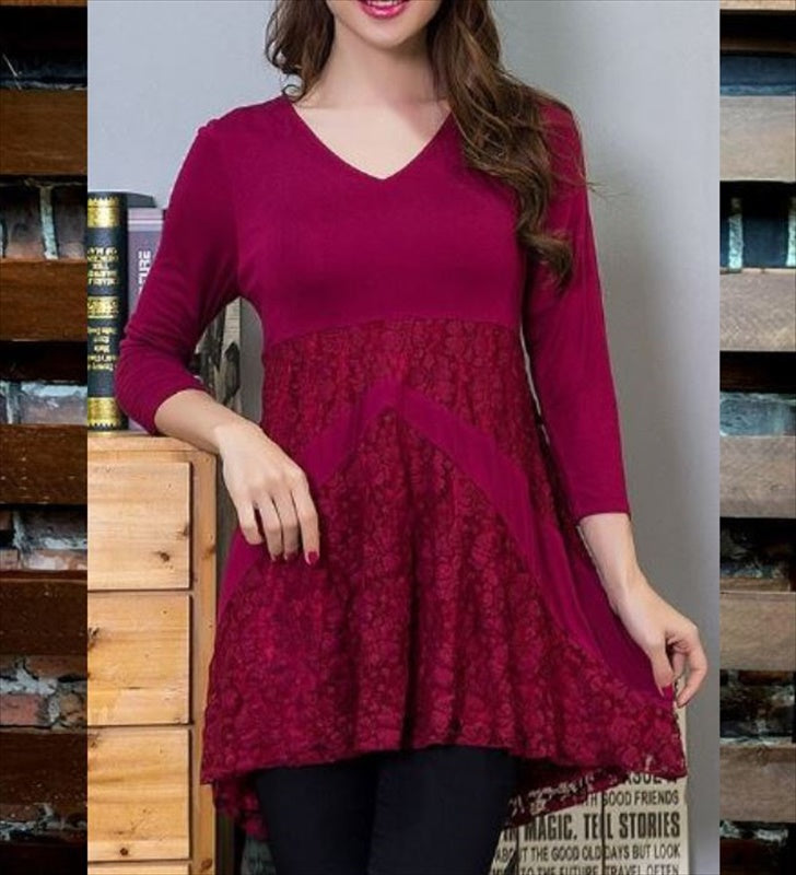 UNFORGETTABLE LOVE LACE TOP IN CRIMSON