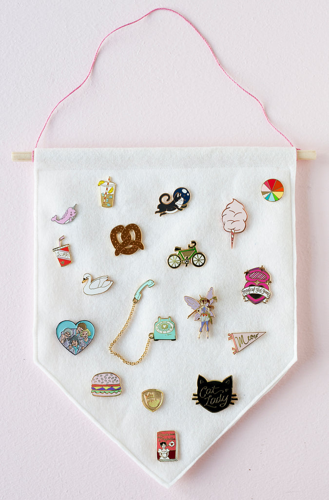 Enamel Pin Banner tutorial by Felicette