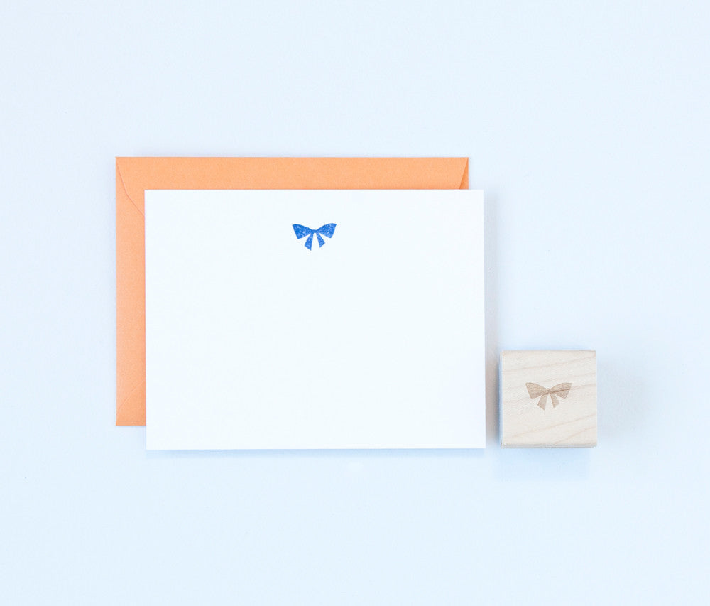 Small Bow Stamp