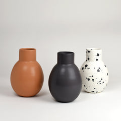 Vase No. 7 / Dusty Black - Corbé