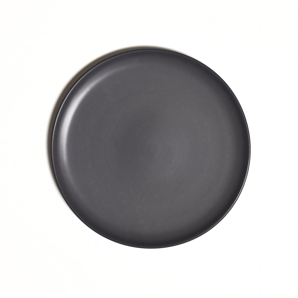 Dinner Plate / Dusty Black