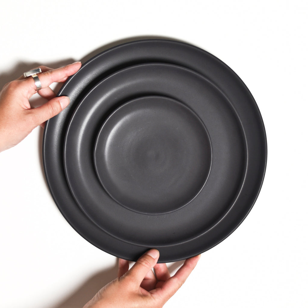 Bread Plate / Dusty Black