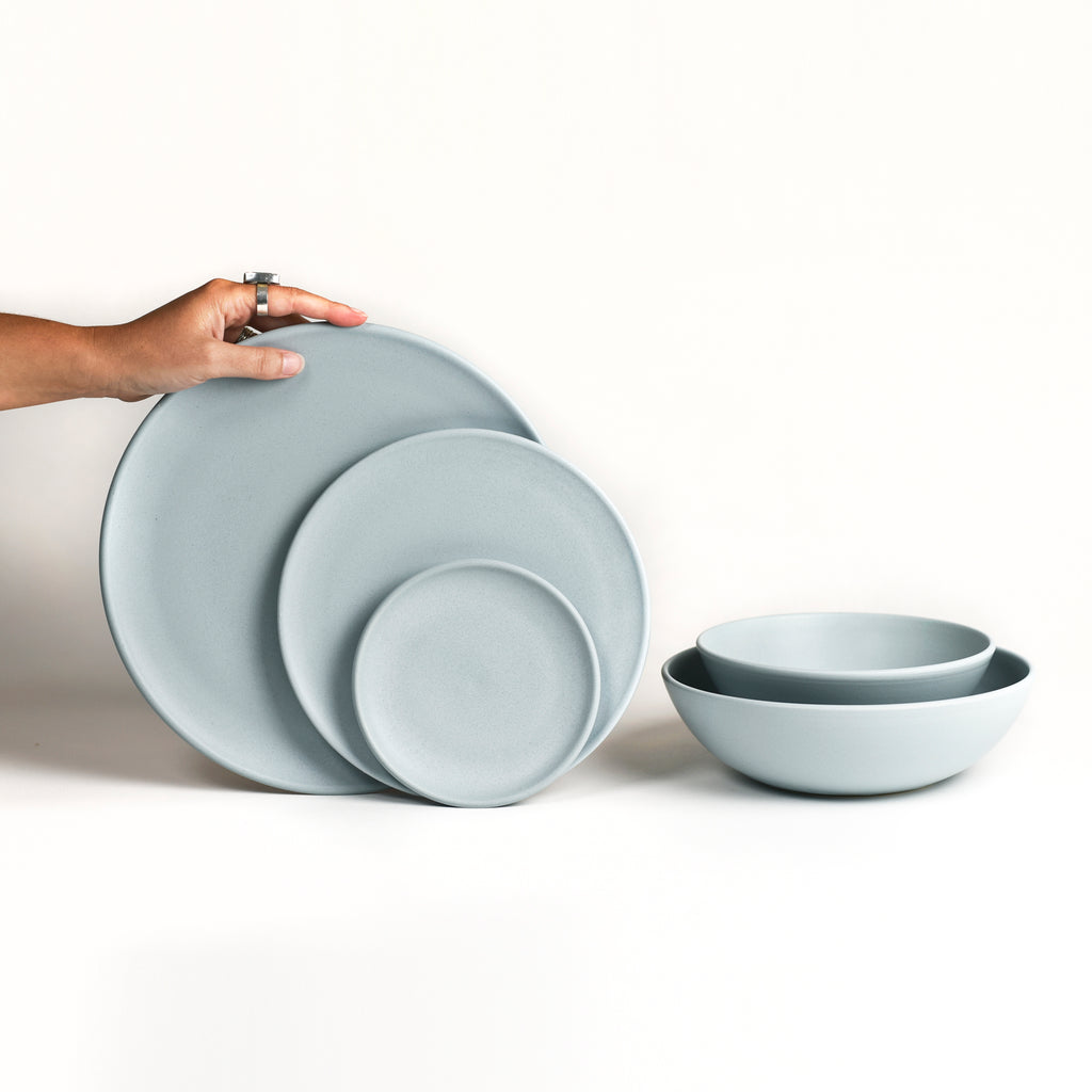 Dinnerware Set / Horizon