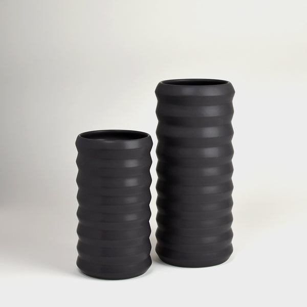 Tall Ridge Vase / Dusty Black - Corbé