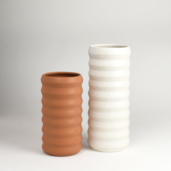 Tall Ridge Vase / Freckle - Corbé