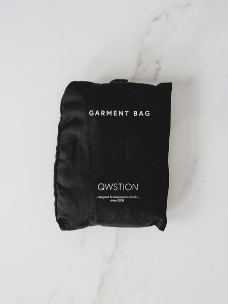 Qwstion Garment Bag