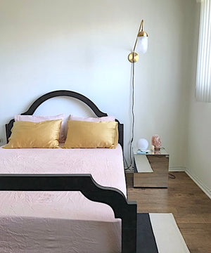 DIY Guide: Dye Your Bedsheets The Perfect Pink With Avocados
