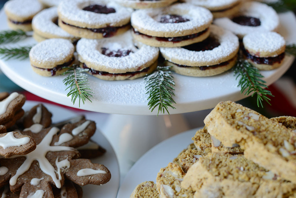 Vegan Linzer Christmas cookies