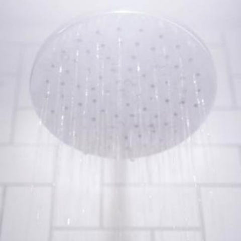 Shower head with steamy water spraying