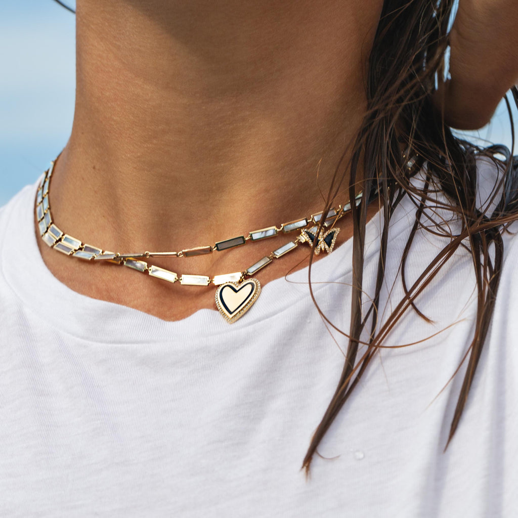 Mother of Pearl chain necklace in Yellow Gold.