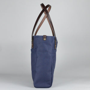 Wellington Tote (Navy & Dark Brown)