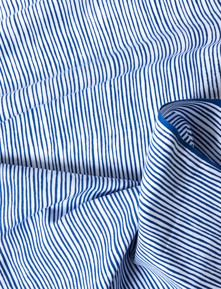 Kamawanu Tenugui - Wavy Blue Stripes