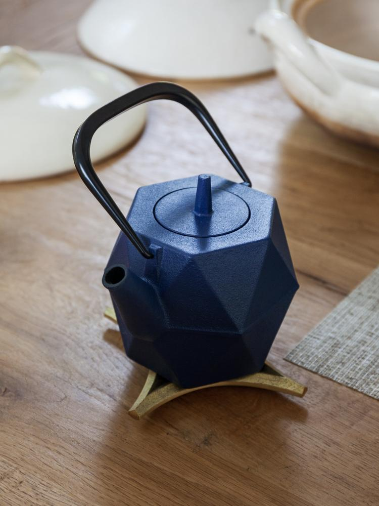 Iwachu Zakuro Cast Iron Tea Pot - Navy