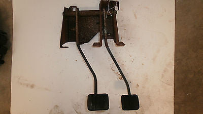 Jeep Wrangler TJ Brake and Clutch Pedal Assembly Sport Sahara OEM 97-06