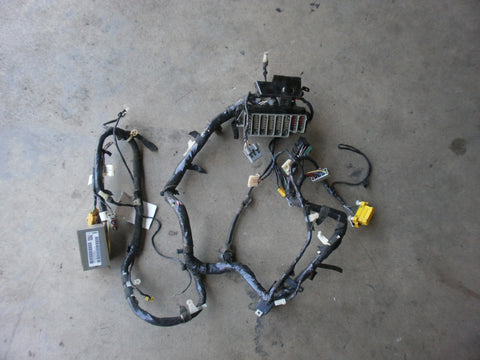 jeep wrangler tj wiring cross body harness 2000 p56009508aj oem jeep wrangler tj wiring cross body harness 2000 p56009508aj oem good used 2 4 4 0 fuse box