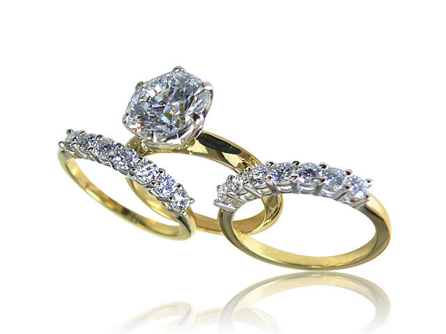 Round Cut Diamond Engagement Ring with a Six Prongs Setting in Yellow Gold San Diego