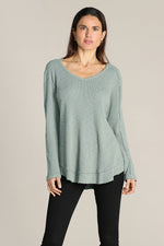 Long Sleeves V-neck W/ Curved Hem