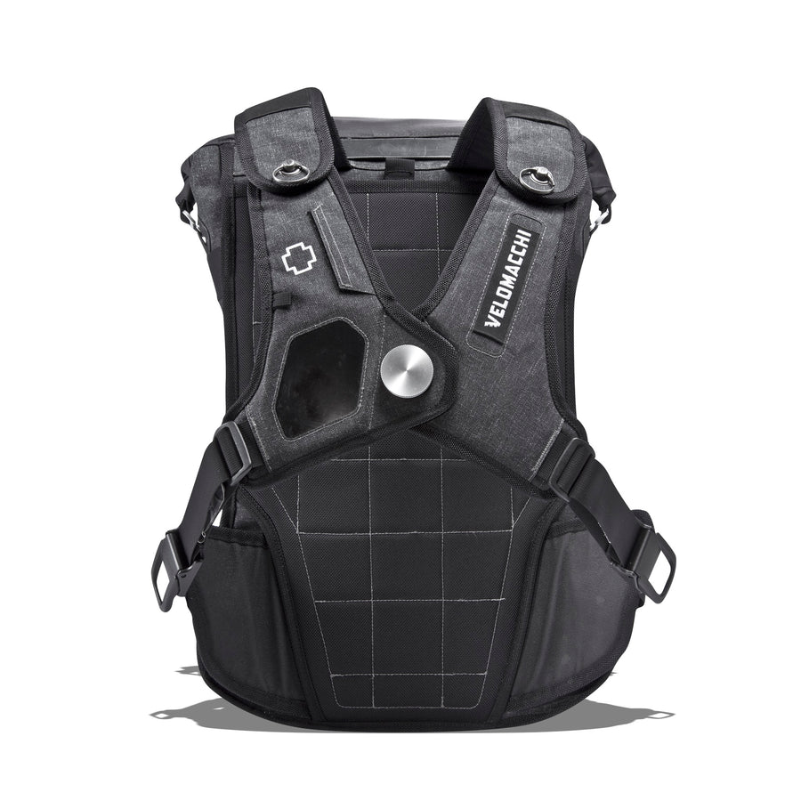 Magnetic sternum coupler on a large-sized men's fashion and luxury travel backpack.