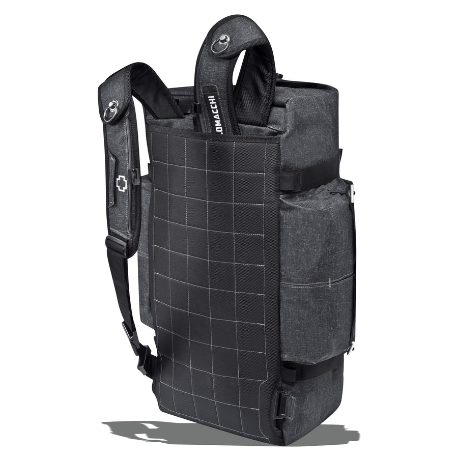 Shoulder straps on a duffle bag that tuck into the hydration compartment.