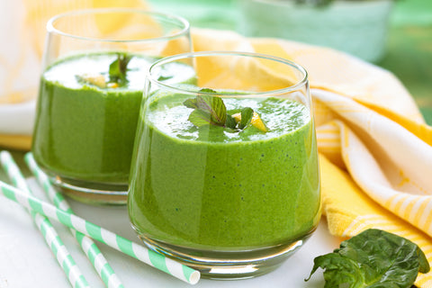 Pineapple green smoothie for a smoothie cleanse