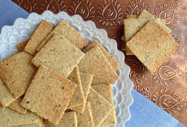 french-sesame-herb-crackers2