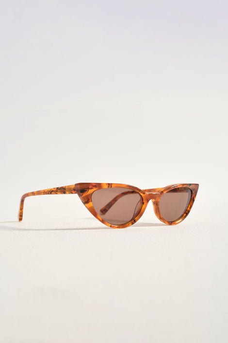Kate Young-Kate Young sunglasses-tortoise sunglasses-Fallon Sunglasses in amber–Kate Young for Tura Sun–cateye glasses-Idun-St. Paul