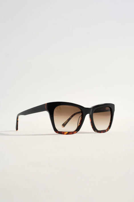 black square sunglasses-Kate Young-Tura sunglasses-Kate Young for Tura-Hana sunglasses-Idun-St. Paul