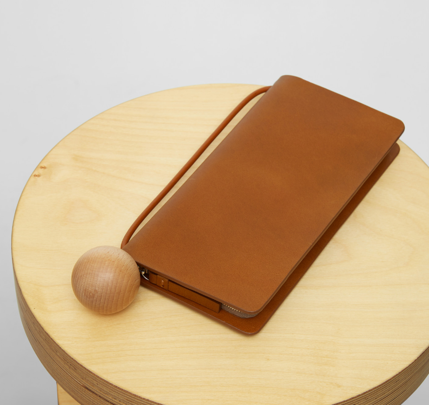 Book Wallet in Chestnut