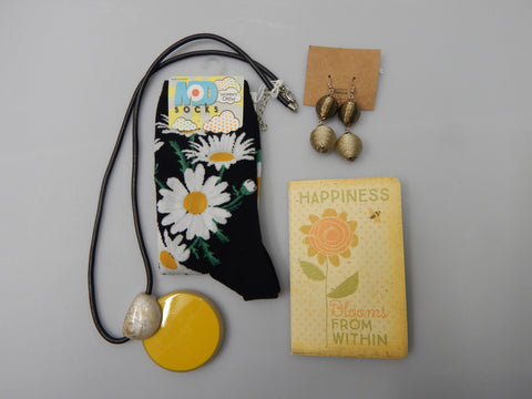 Daisies are cute, Daisy Socks, Notebooks, Happiness blooms from within, buy now at Vivre, Nelson, NZ