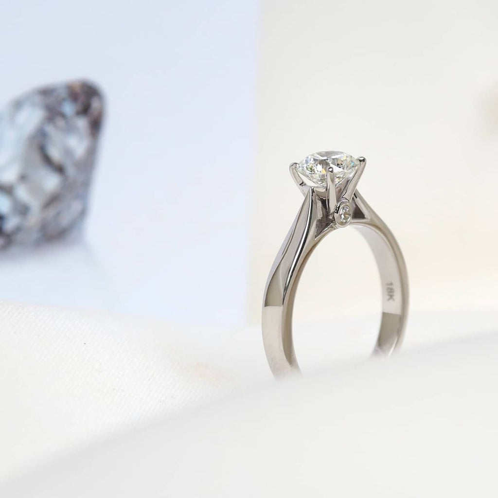 FOUR PRONGS SOLITAIRE RING
