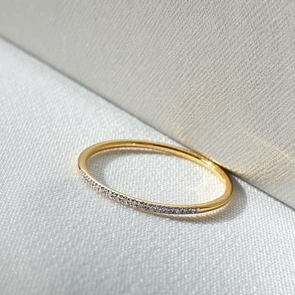 (GOLD RING)  DIAMOND LINE RING
