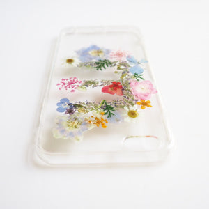 The Personalized Initial real pressed flower bumper phone case (パーソナライズされた押し花電話ケース)