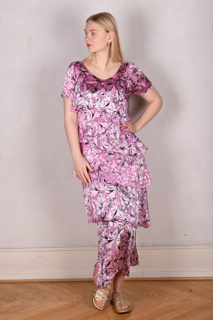 Ann-Frida, Maxi dress in several layers of silk. (Pink Rose)