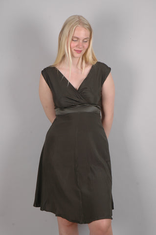 """Magda"" Stretch silk crepe-satin dress w. adjustable straps. Col: ""De-Green"""