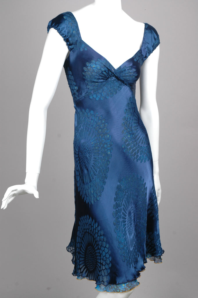 """Margrethe"" Reversible dress in two layers of silk devoré. ""SoBlue/Fish"""