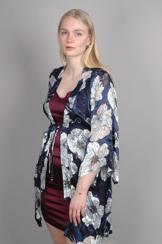 """Kimmilong"" - Lang kimono-top i silke satin devoré. Print ""Flower-Green"""
