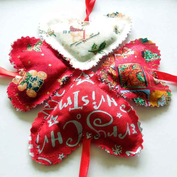 Christmas Hearts Cotton Bunting, Handmade Xmas Lavender Reversible Bunting in a Drawstring Bag - Fabric and Ribbon