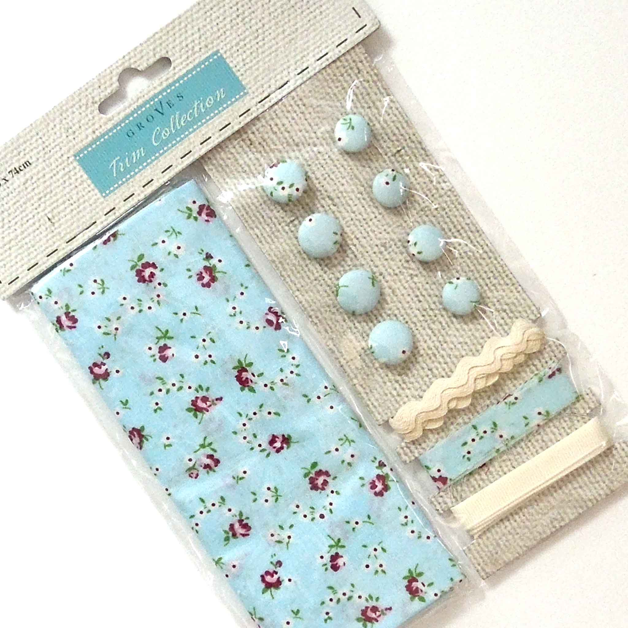 Blue Flower Cotton Fabric Craft Pack - Fabric and Ribbon