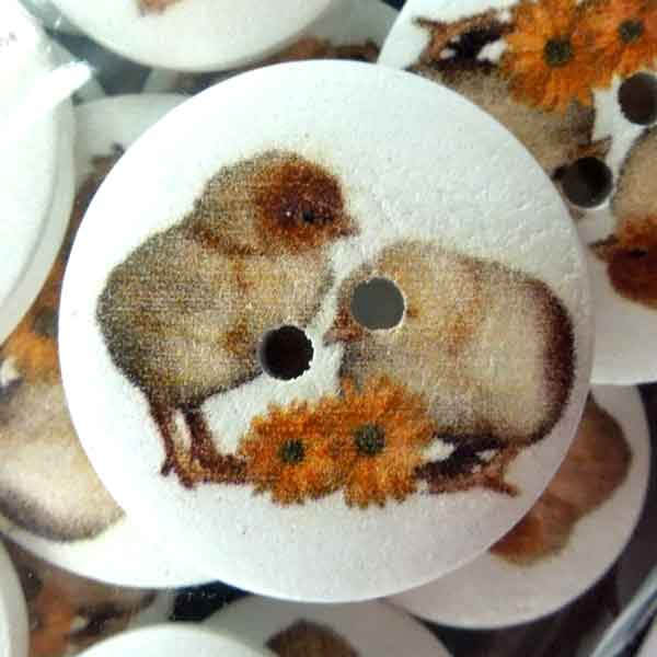 Little Chicks Craft Buttons, Painted Wood Craft Buttons, Pack of 15 Easter Chick Buttons, 18 mm and 25 mm Buttons