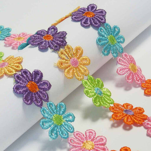25 mm Coloured Daisy Flower Lace Trim by Trimits