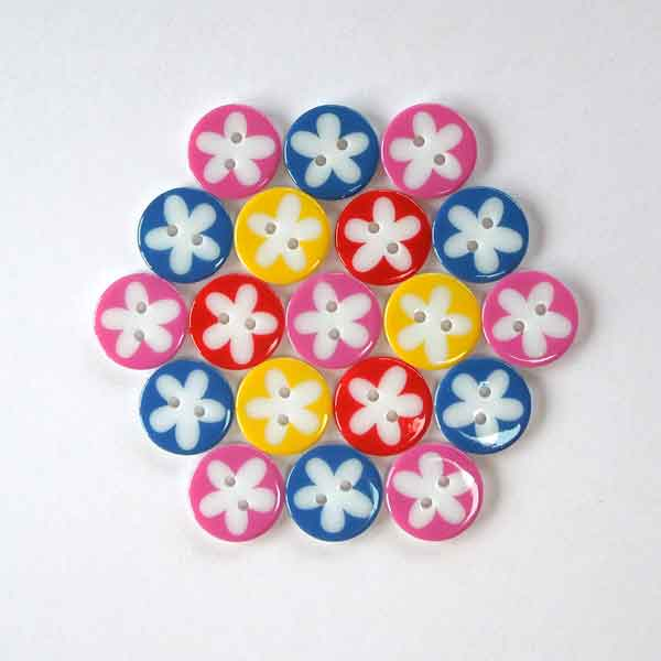 17 mm Yellow Flower Buttons, Pack of 10 Yellow and White Daisy 2 Hole Buttons