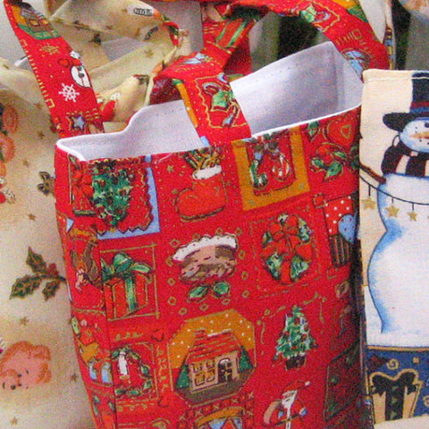 Christmas Patterned Little Handbags Handmade Xmas Cotton Lined Gift Bags - Fabric and Ribbon