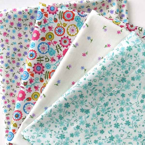 Fat Quarter Pack, Floral Fat Quarter Bundle by Makower, 4 Flower Patterned Fabric Patchwork Pack - Fabric and Ribbon