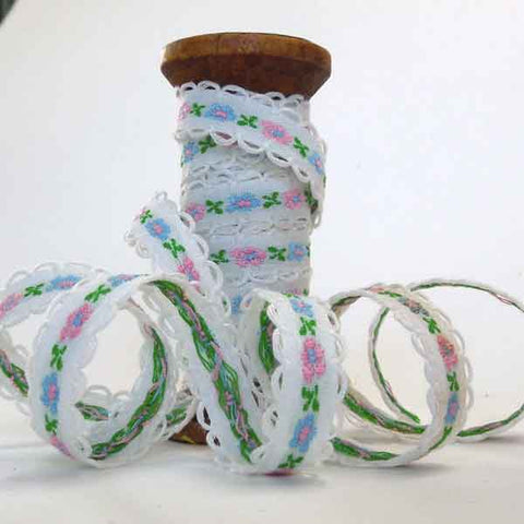 10 mm White Flower Ribbon on Wooden Spool, 2 Metres