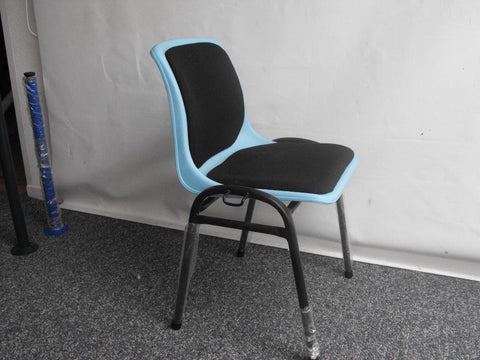 25no Upholstered Stacking Chairs Blue/Black