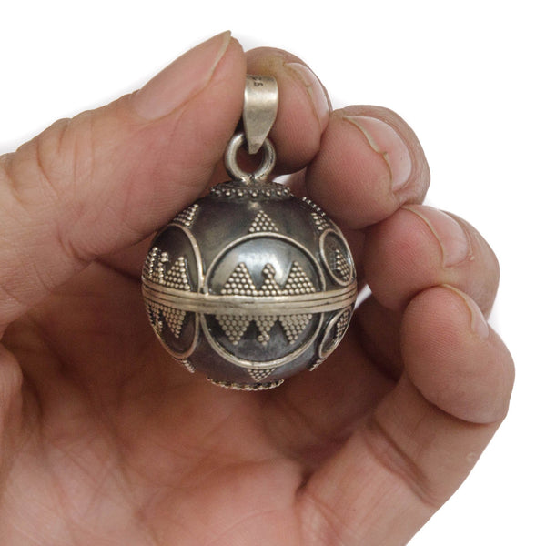 Large 26mm sterling silver harmony ball, angel calling.