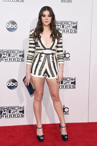 Hailee Steinfeld's Outfit On The Red Carpet