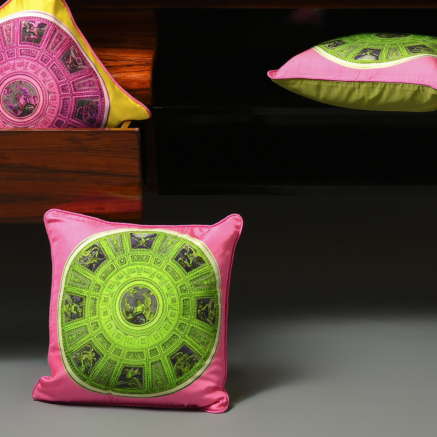 Silk twill pink & green mosaic print cushion - Bivain - 2