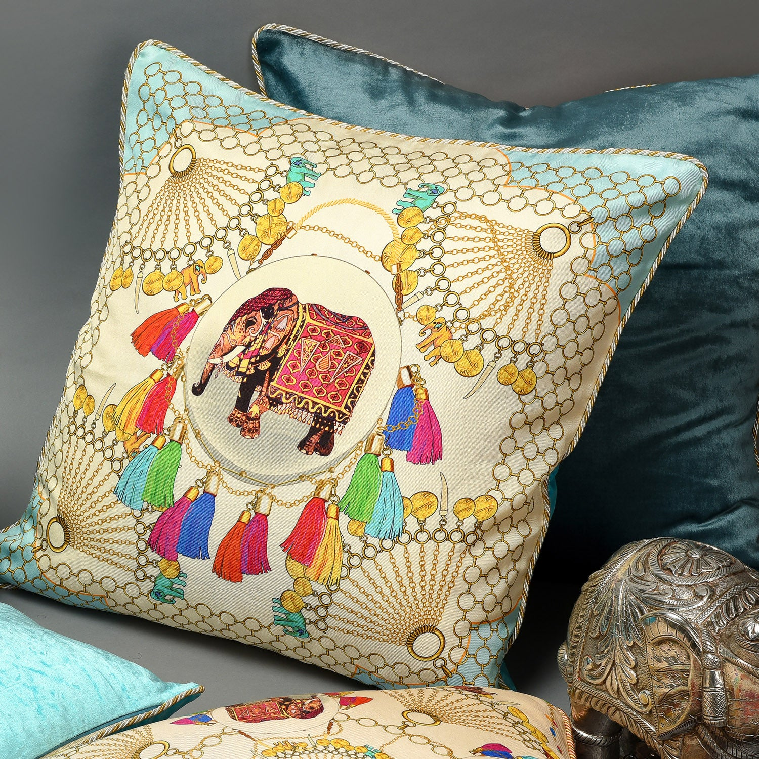 Silk twill and velvet Indian elephant print cushion - Bivain - 2