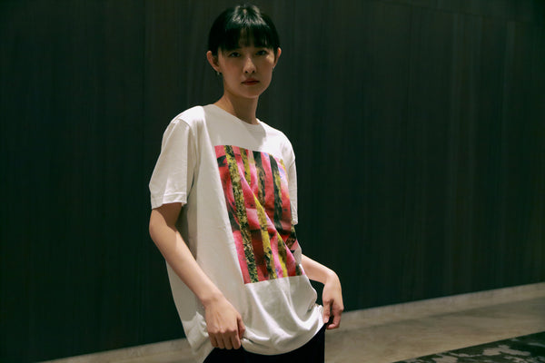 Buy stylish cool printed white t-shirt from a friend of mine online paris taipei tokyo